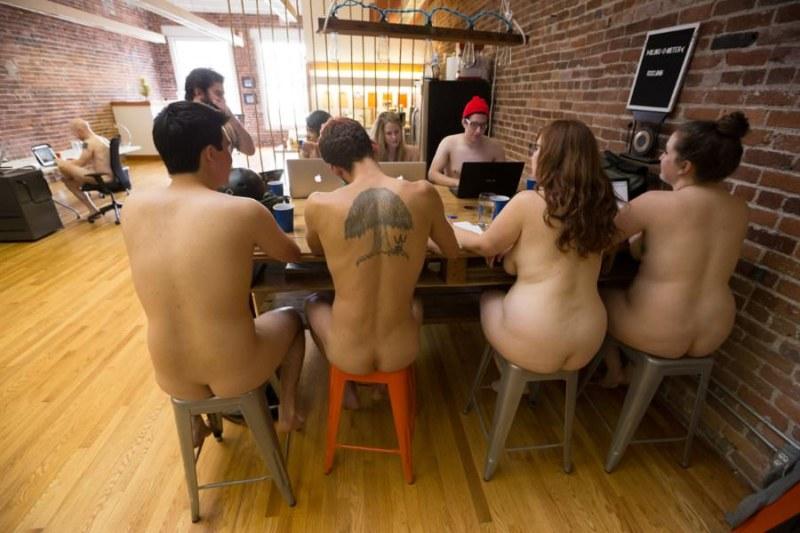 голые в офисе фотовидео