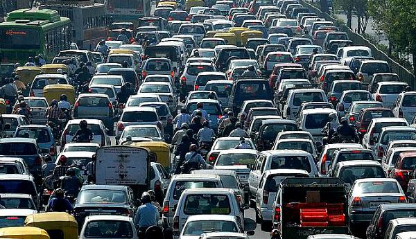 Traffic congestion on High Level Road in Nugegoda