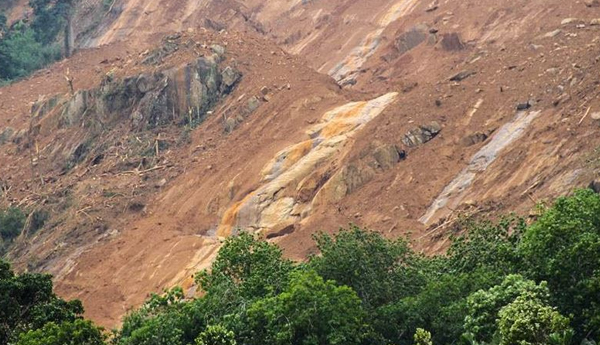 Landslide Warnings to 5 Districts
