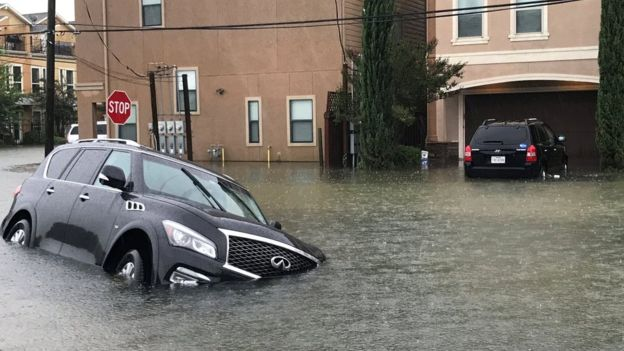 Storm Harvey: 1,000 rescued as Houston hit by 'catastrophic floods'