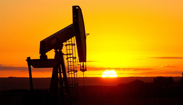 Oil Ends Sharply Higher, With U.S. Prices Down a Third Week In A Row