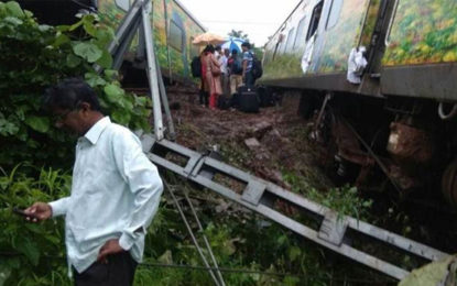 Mumbai-Nagpur Duronto Express Derails at Asangaon, Train Movement Affected