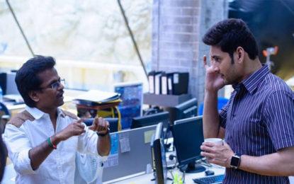 New Spyder Stills Highlight Mahesh Babu and AR Murugadoss' Working Style