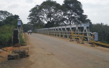 Deduru  Oya Bridge Closure