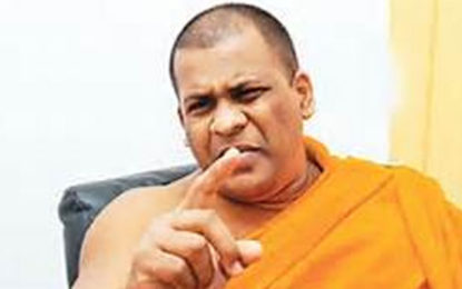 BBS Gnanasara Thera Threatened to Smash the Head of a Journalist?