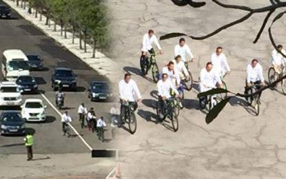 Mahinda on Push Bike to Parliament