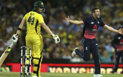 Steve Smith dismissal sparks controversy as Australia lose ODI series