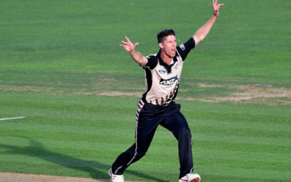 New Zealand v Australia, Trans-Tasman T20 tri-series, Auckland:  NZ bat, Wheeler comes in for Santner