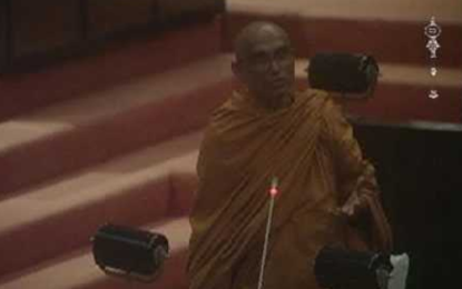 Athuraliye Rathana Thera to Abstain from Voting in No Confidence Motion