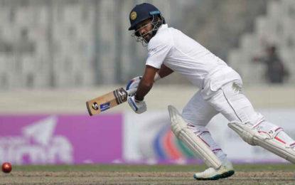 Dimuth Karunaratne Joins Sri Lanka's Injured List