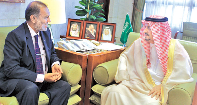 Sri Lanka – Saudi Arabia discuss matters pertaining to Lankan expatriates in Riyadh