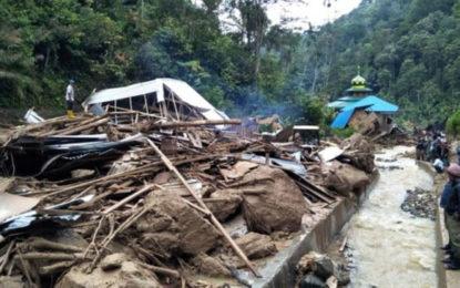 Indonesia flash flooding kills 21