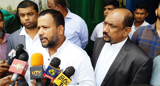 """""""We are only partners of Sri Lanka democracy, but not of UNP""""- ACMC"""