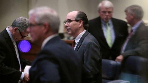 Alabama passes bill banning abortion