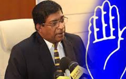 SLFP 96 MPs Ready to Vote in Favour of No Confidence Motion Against Ravi – Mahindananda
