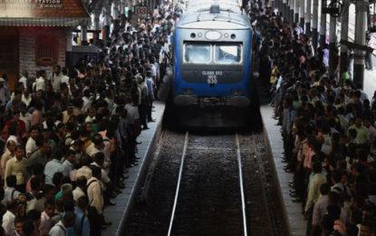Tense situation at Pothuhera railway station