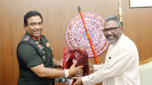 Northern Province Governor meets Commander of Jaffna Security Forces