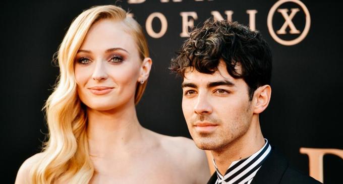 Joe Jonas' parents didn't know about his Las Vegas wedding to Sophie Turner