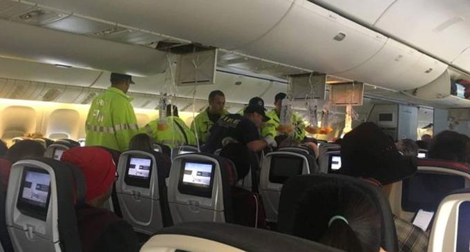 Turbulence injures 35 on Air Canada flight to Sydney