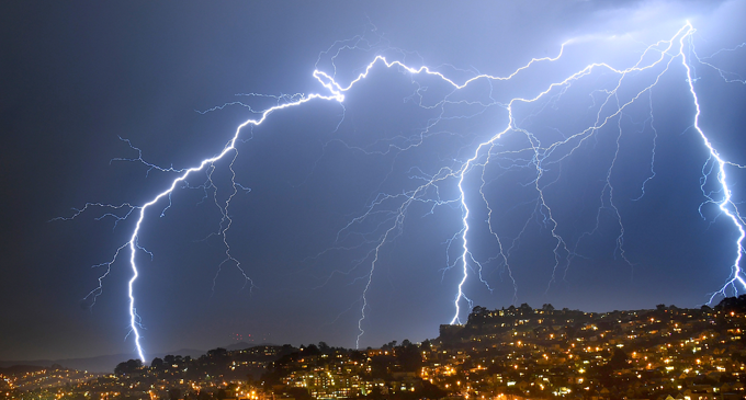 Lightning strike kills one in Ratnapura
