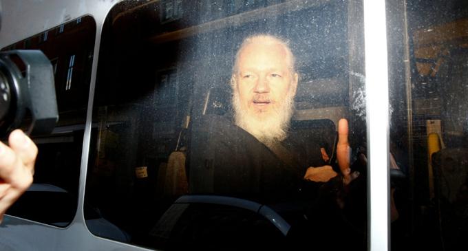Doctors from Sri Lanka fear Assange 'Could die' in UK jail