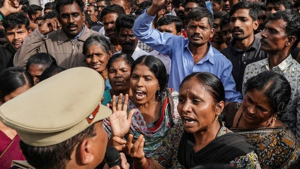 India vet murder: Outrage mounts over Hyderabad rape killing – [IMAGES]