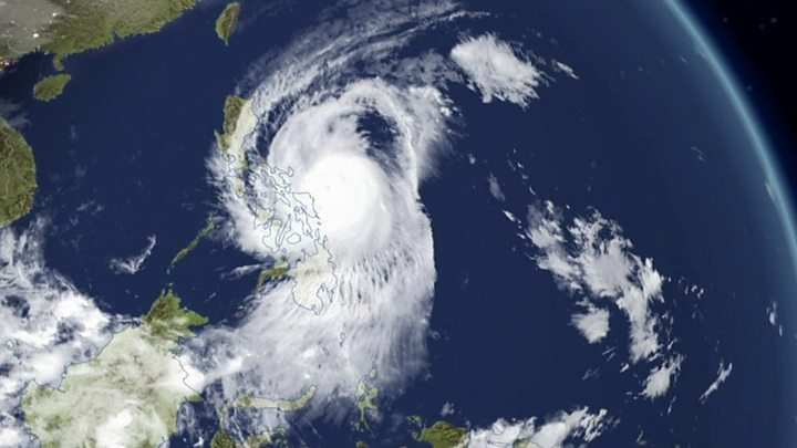 Typhoon Kammuri slams into Philippines, forcing thousands to flee