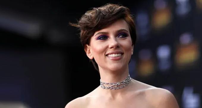 Taika Waititi: Scarlett Johansson has a goofy quality