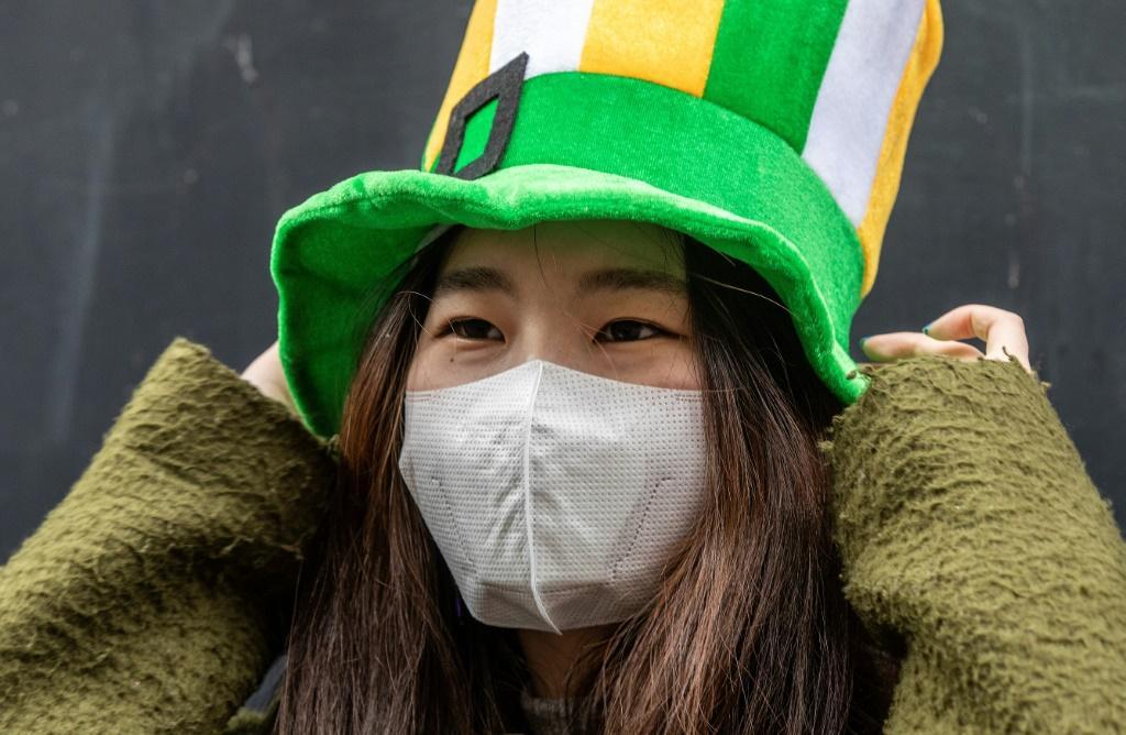 Global coronavirus cases top 200,000 as nations tighten clampdowns