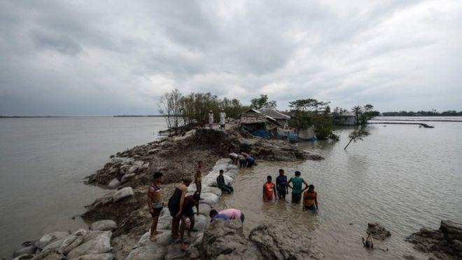 Cyclone Amphan: Survivors return to face destruction left by storm