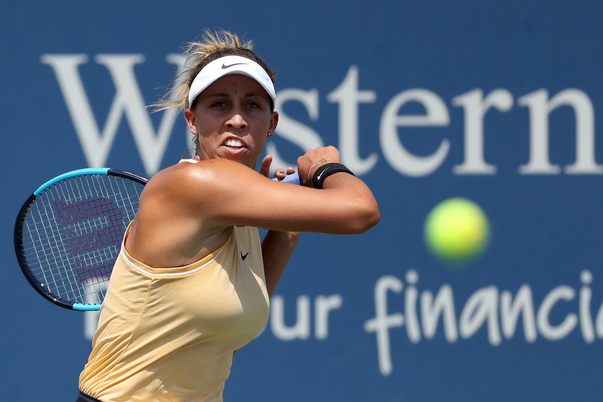 Keys holds off Aussie Open champ Kenin in Charleston