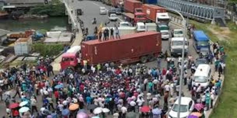 Order obtained to remove protesting Port staff