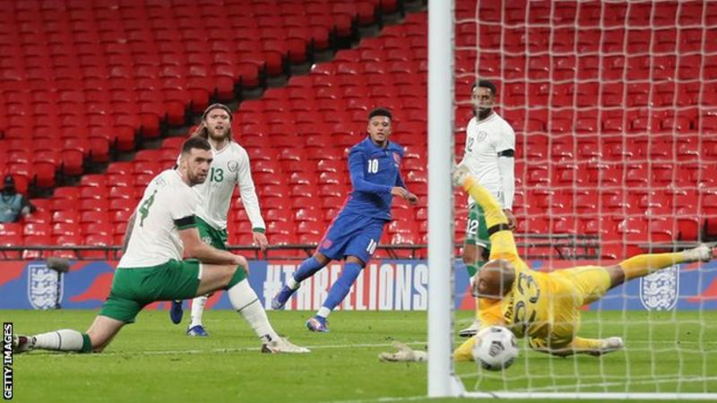 Bellingham makes debut in England win over Republic of Ireland