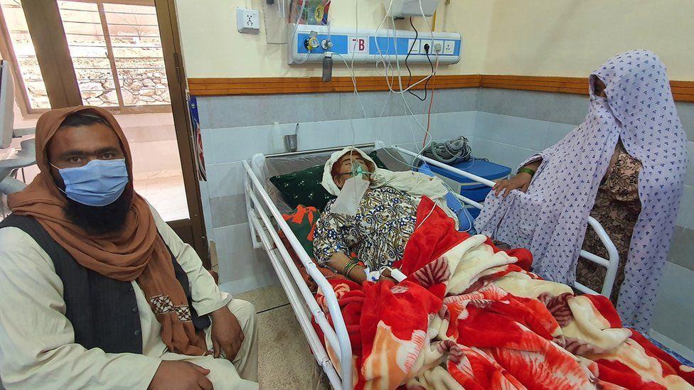COVID patients die due to oxygen shortage in Peshawar