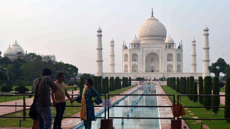 Modi inaugurates metro to help curb Taj Mahal pollution