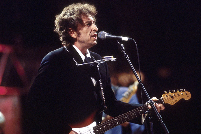 Bob Dylan sells all his music to UMG