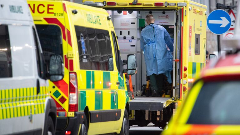 UK records more than 1,000 daily virus deaths