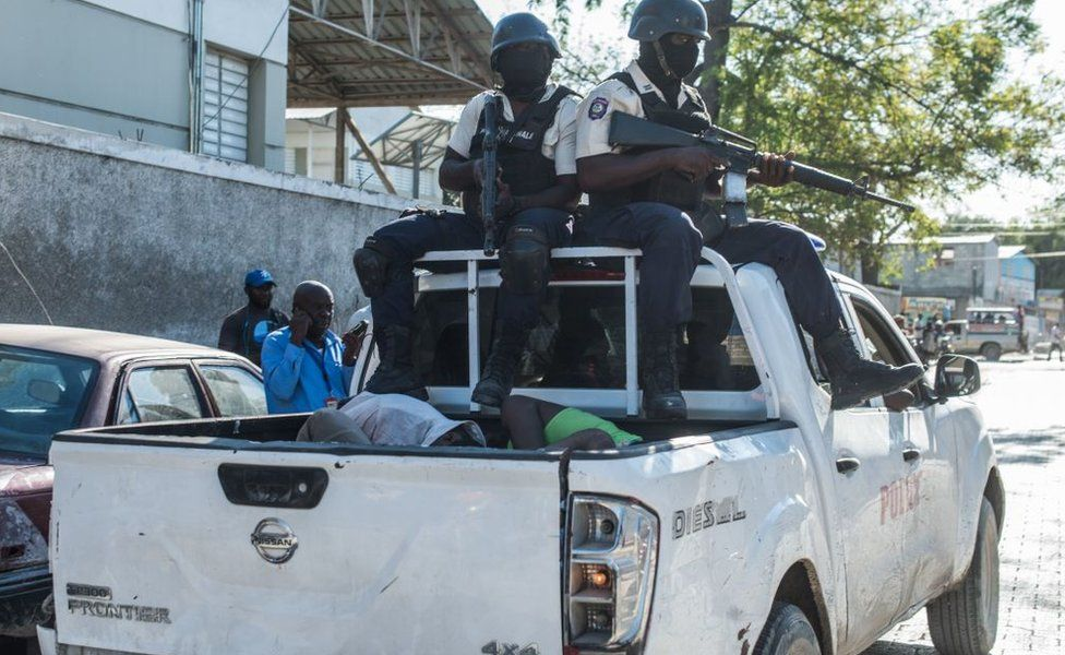 Hundreds of inmates escape from Haiti prison