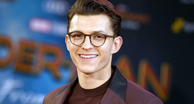 """Tom Holland stars in """"Crowded Room"""" series"""