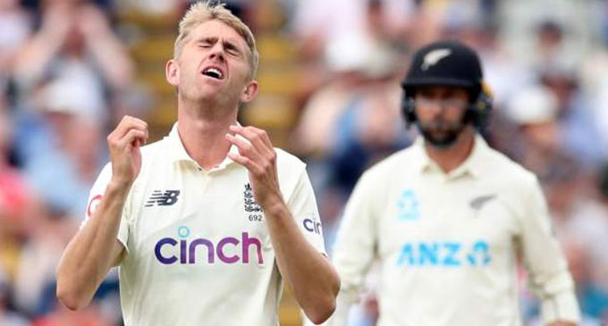 Young punishes Root drop as New Zealand frustrate England